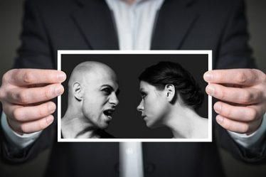 İlişkilerde Duygusal İstismarın 8 Belirtisi
